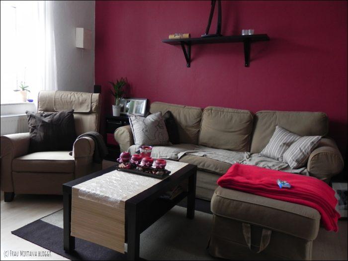 Das Wohnzimmer noch in rot-braun