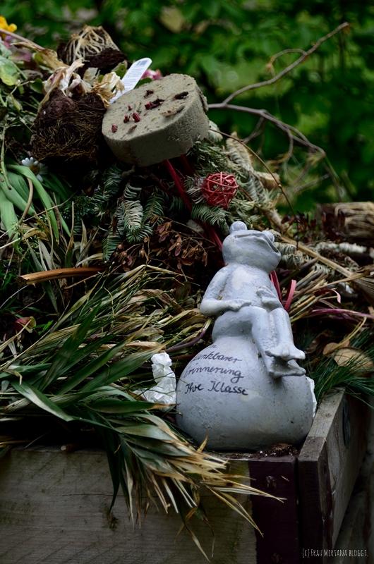 Abfall Friedhof aufgenommen mit Helios 44